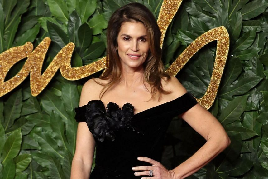 Supermodel Cindy Crawford has denied helping her daughter Kaia Gerber get on magazine covers or into modelling shows.