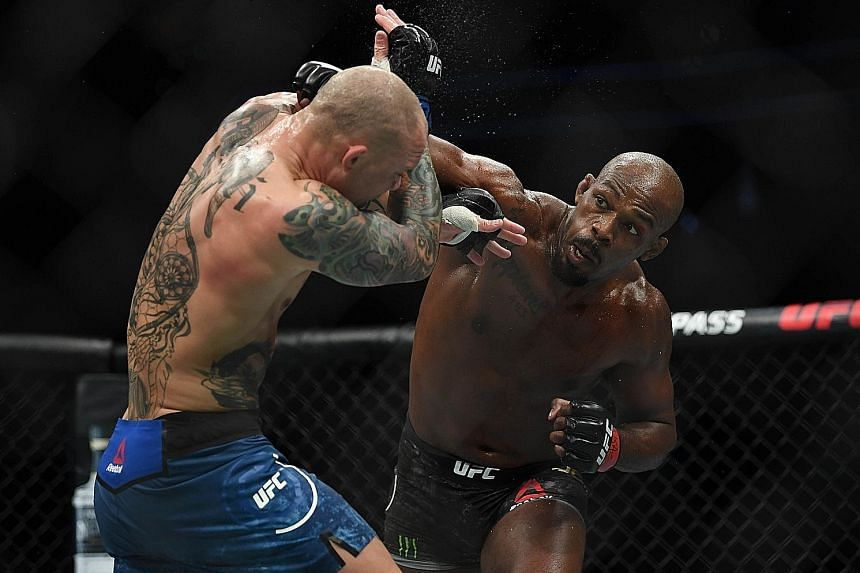 Jon Jones cruises to victory over Anthony Smith at UFC 235