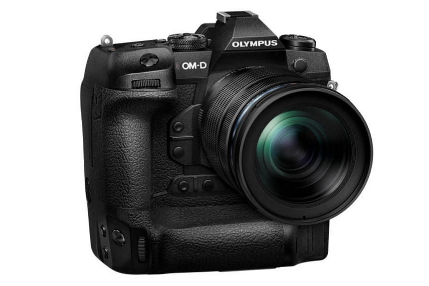 According to Olympus, the E-M1X (above) is not the replacement for the E-M1 Mark II, which was launched in Dec 2016, but instead sits alongside the latter to cater to a different target audience - sports and action photographers.
