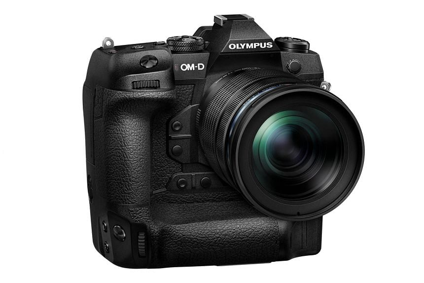 The E-M1X has an integrated vertical grip, which allows photographers to quickly switch from landscape to portrait orientation, and the use of two batteries for longer battery life.