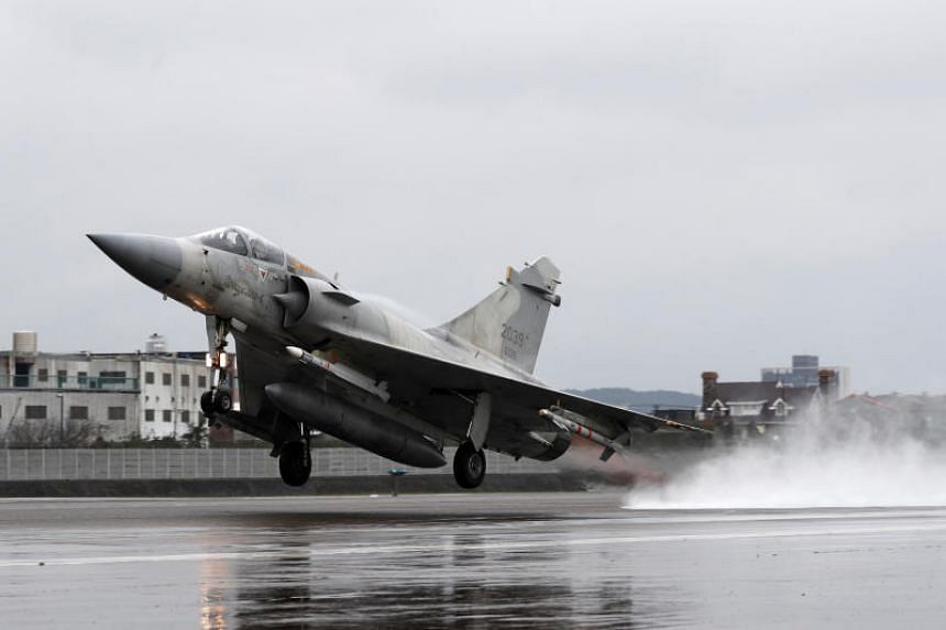 A Taiwan Air Force Mirage-2000 fighter jet takes off during military drills in Hsinchu, Taiwan, on Jan 16, 2019.