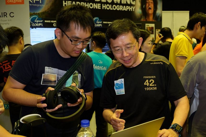 Creative chief executive Sim Wong Hoo (right) was seen at this year's IT Show, which was held at Suntec Singapore from March 7 to 10, 2019.