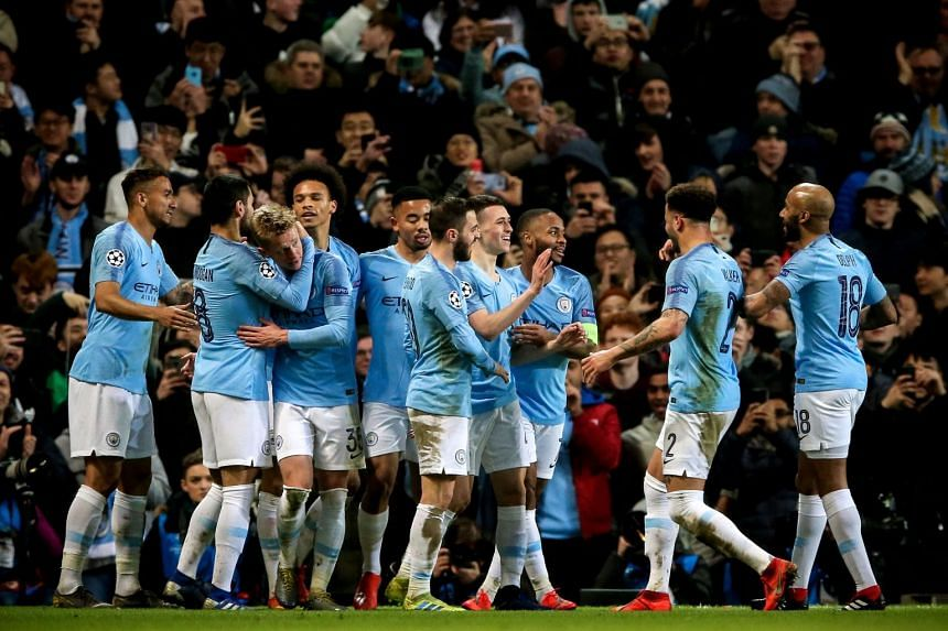 Manchester City's Phil Foden (fourth from right) celebrates with his team mates after scoring the 6-0 lead.