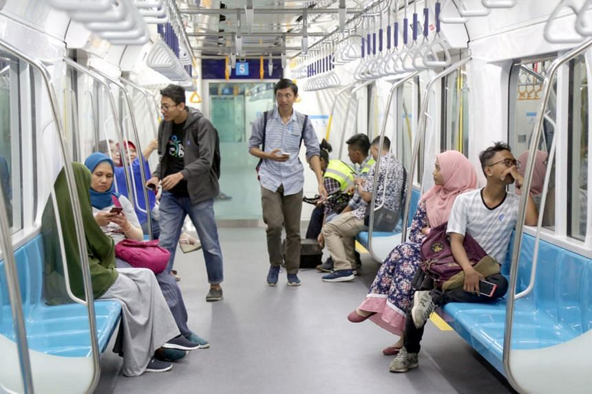 PT MRT Jakarta posted videos to its Instagram account on March 15, aiming to educate passengers about public transportation etiquette.