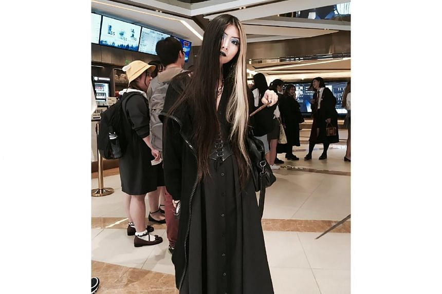 Self-identified goth Laora Gein posted a selfie in support, saying that she had been stopped at another Guangzhou subway station last November, after she had cosplayed for a Harry Potter movie.