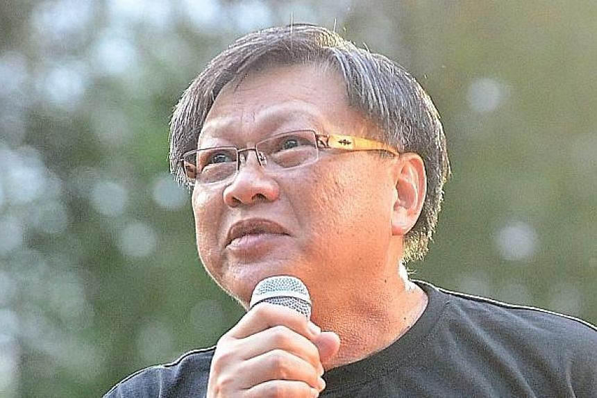 The counterclaim by blogger Leong Sze Hian (above) that the libel suit brought by Prime Minister Lee Hsien Loong against him is an abuse of court process was struck out by the High Court last week.