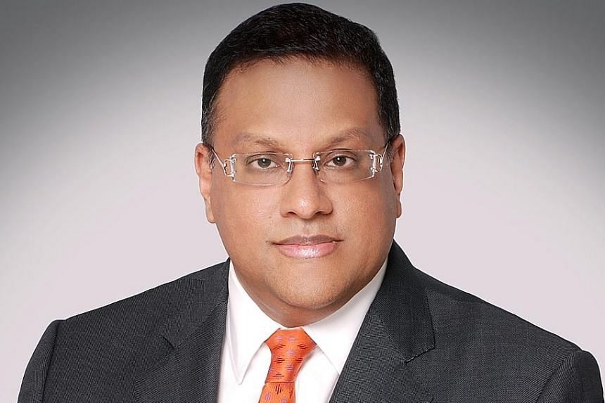 Former Sri Lankan central bank chief Arjuna Mahendran is wanted for his alleged role in an insider trading scam.