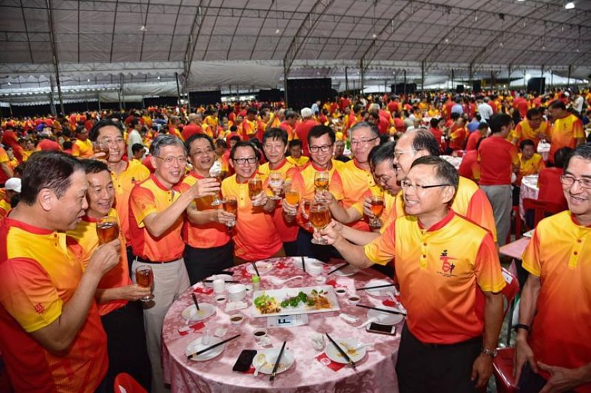 Former students of Chinese High School at Hwa Chong's Founders' Day Centennial Gala Dinner.