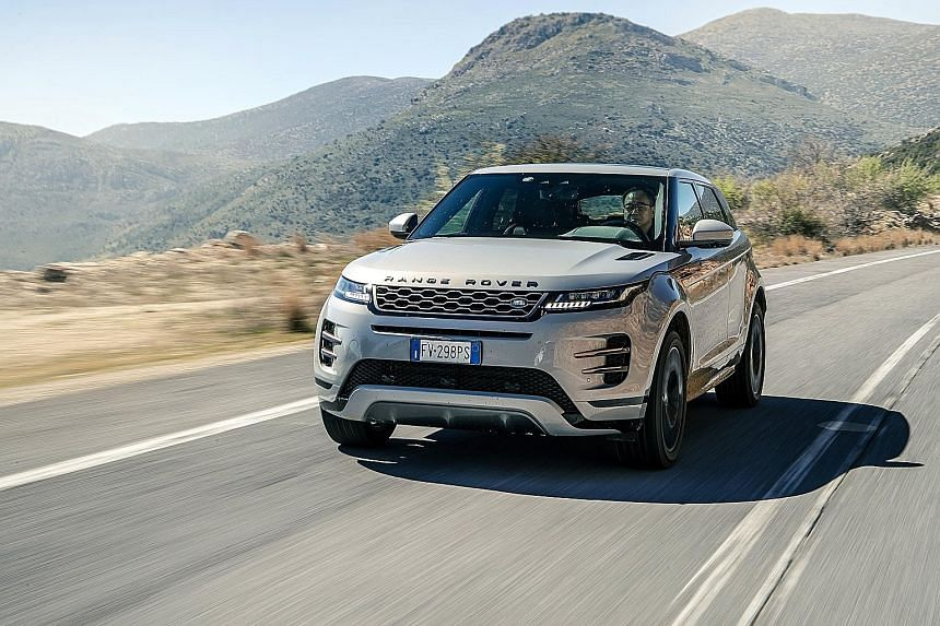 The Range Rover Evoque sports a heavily modified strut front suspension and an integral-link rear suspension, resulting in an agile and comfortable ride.