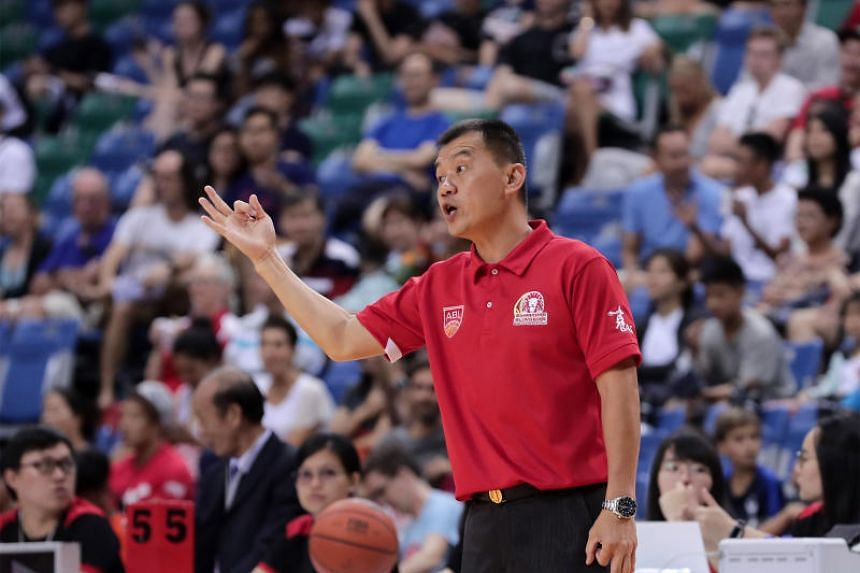 Singapore Slingers coach Neo Beng Siang giving his team instructions in their final regular-season game on March 24, 2019.