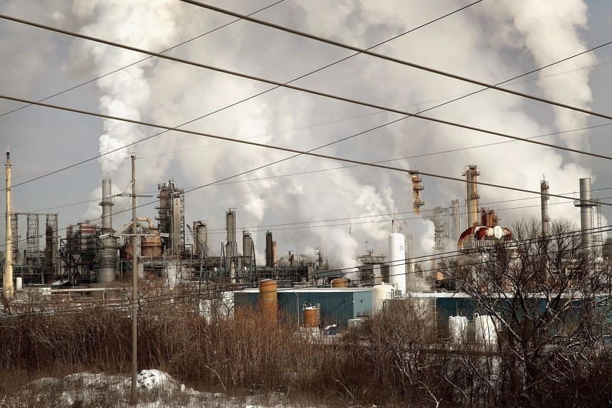 Smoke rises from a refinery in Lemont, Illinois, on Feb 1, 2019. The United States' CO2 emissions grew by 3.1 per cent in 2018.