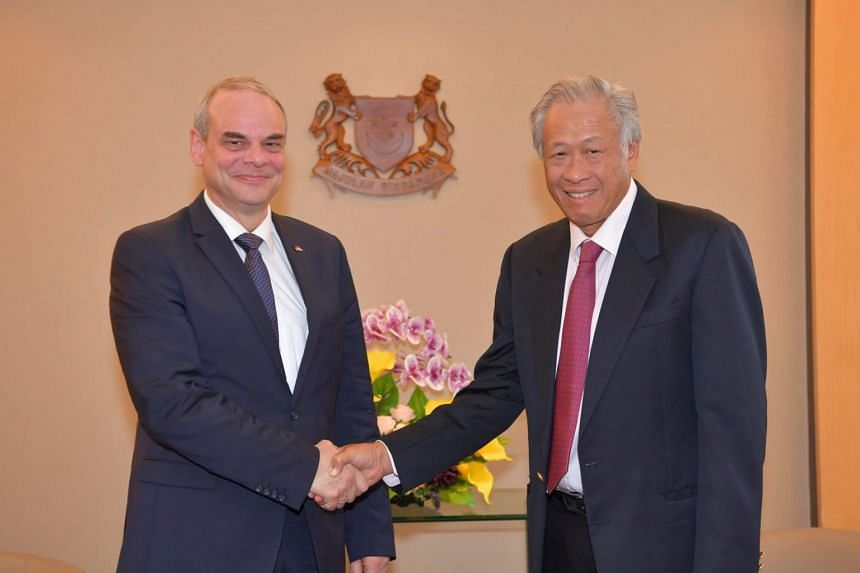During the meeting, German State Secretary for Defence Benedikt Zimmer (left) and Defence Minister Ng Eng Hen reaffirmed their commitment to strengthening bilateral defence cooperation in areas of mutual interest, such as in submarine training, de