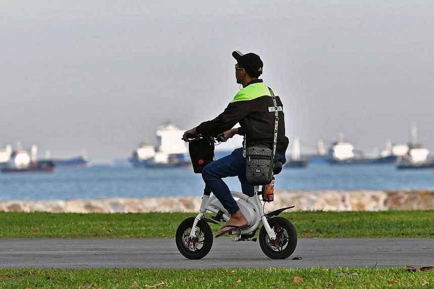 The problem of noise pollution is now also in parks, where riders of personal mobility devices and bicycles turn up their radios or sound machines.