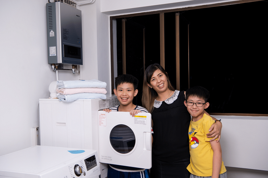 """""""As a full-time working mother of four, I strongly recommend the Rinnai Gas Clothes Dryer as it has been really useful for me. I used to have an electric clothes dryer but it was costly and did not dry our laundry completely. This Rinnai Gas Clothes"""