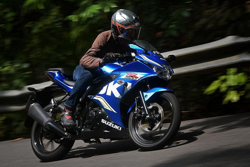 With a dry weight of 126kg and coupled with a narrow silhouette, the Suzuki GSX-R150 is easy to manoeuvre.