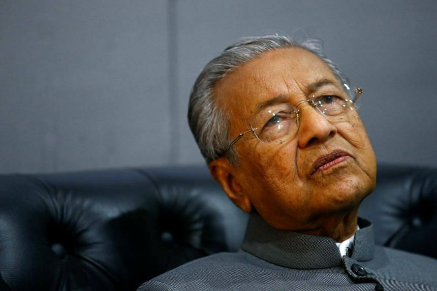 Malaysian Prime Minister Mahathir Mohamad said in an interview with a Malaysian business weekly that he must continue to work together with his handpicked ministers, some of whom have shown promising potential.