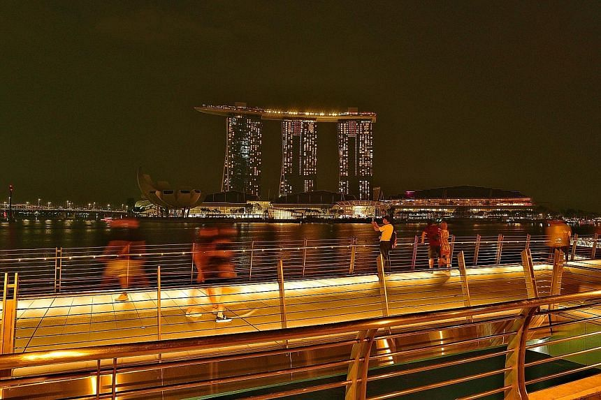 It was lights out for landmarks such as Marina Bay Sands, the Singapore Flyer and Esplanade yesterday to mark the start of Earth Hour 2019 at 8.30pm. The spotlight is on zero waste this year, with more organisations ramping up recycling efforts. The