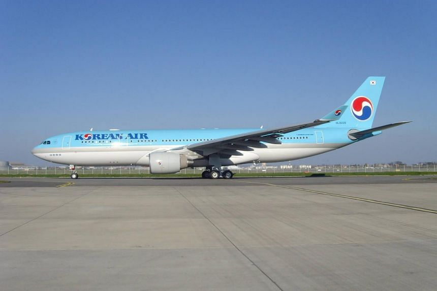 Korean Air will remove food that contains peanuts from in-flight meals in several weeks, the company said in a statement.