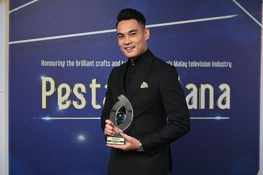 Actor Hisyam Hamid was voted the Most Popular Male Personality for the second time at Pesta Perdana 2019 last Saturday.