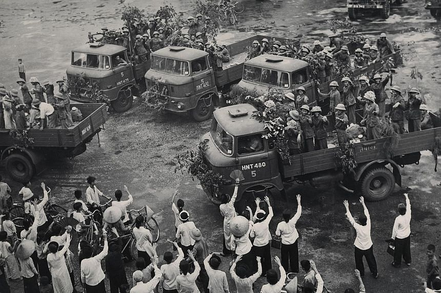 Pioneer Youth volunteers leaving Hanoi for Ho Chi Minh Trail in 1971.