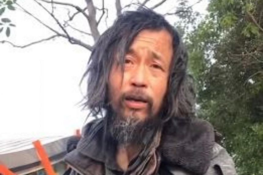 Mr Shen Wei, dubbed the Vagrant Master or Master Shen on the Chinese Internet, is a vagabond who doesn't have a social media account and doesn't own a smartphone.