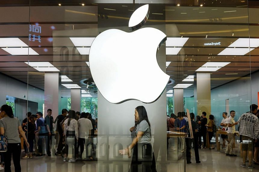 Apple drops iPhone prices in China