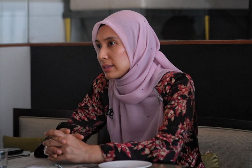 Analysts said Nurul Izzah Anwar's criticism of Tun Dr Mahathir was the clearest sign of a power struggle between his and Anwar Ibrahim's faction over the prime ministership.