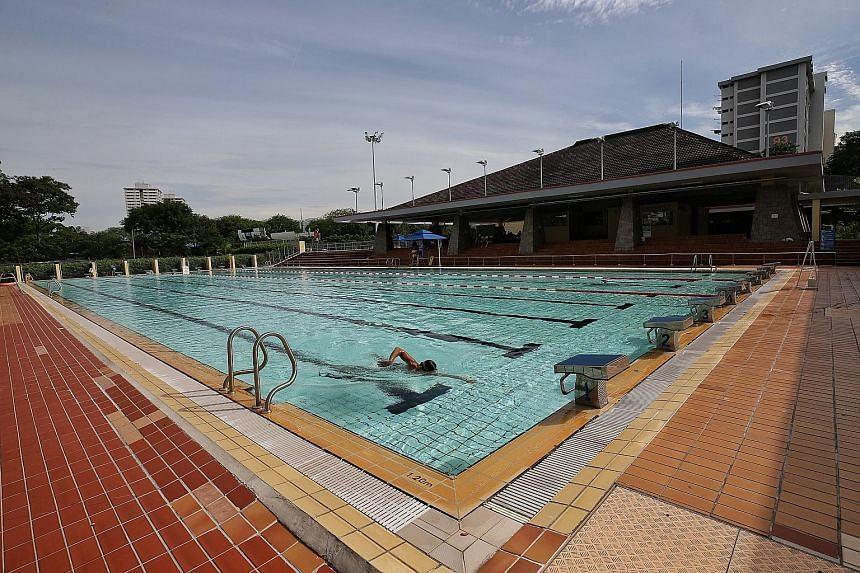 A six-year-old girl, who died in hospital after being found motionless in the pool at Kallang Basin Swimming Complex during a group lesson in 2017, had been left to swim on her own, a coroner's inquiry found on Tuesday.