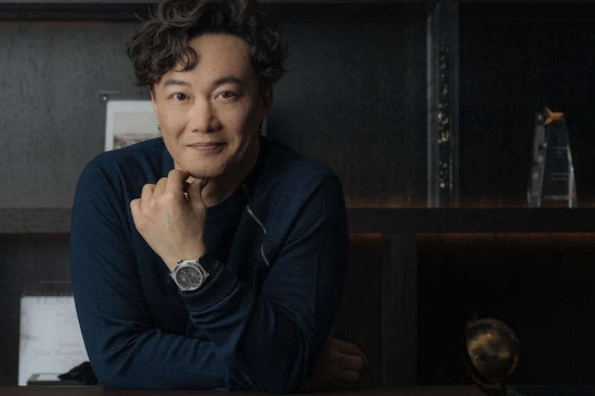 Hong Kong singer-actor Eason Chan finds his permed hair a nuisance.
