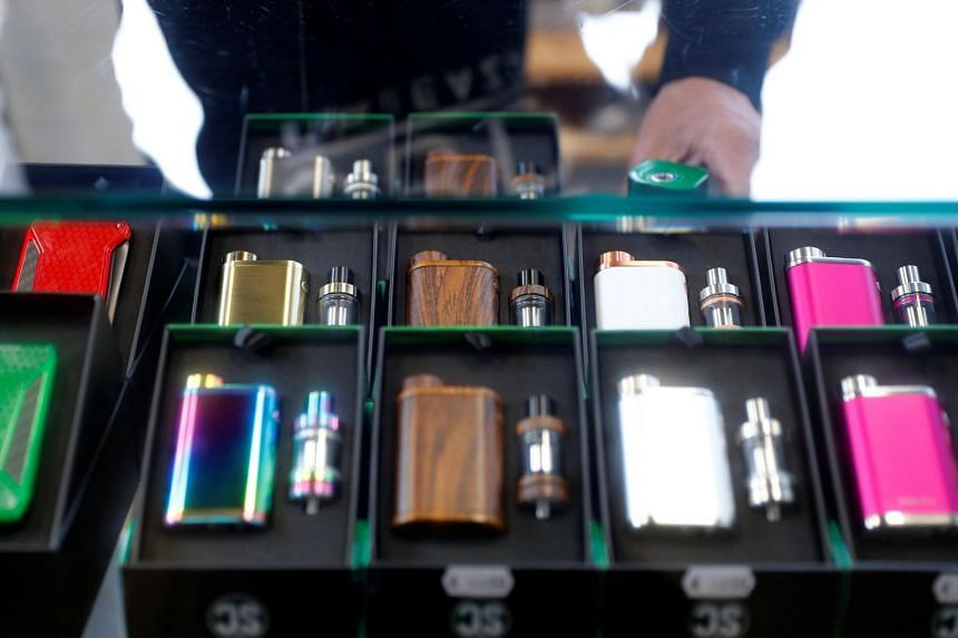 On April 3, the US Food and Drug Administration warned of potential safety risks from the use of e-cigarettes after it found certain users had suffered from seizures.