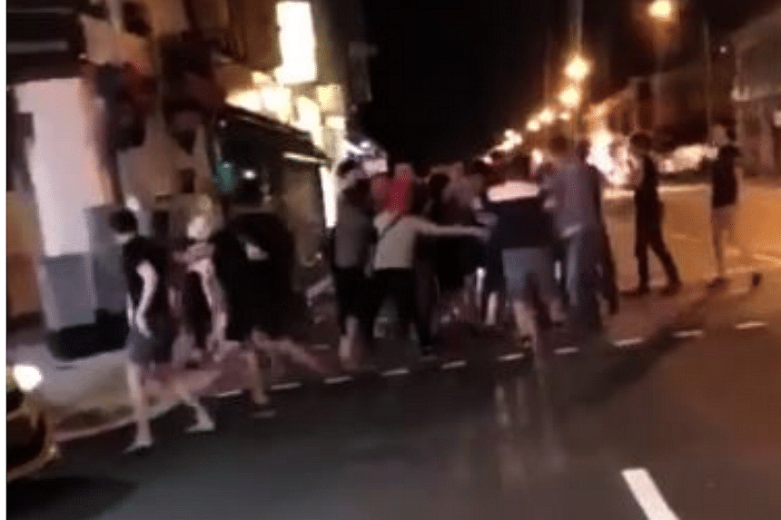 Brawl with 20 people breaks out in Geylang, police investigating