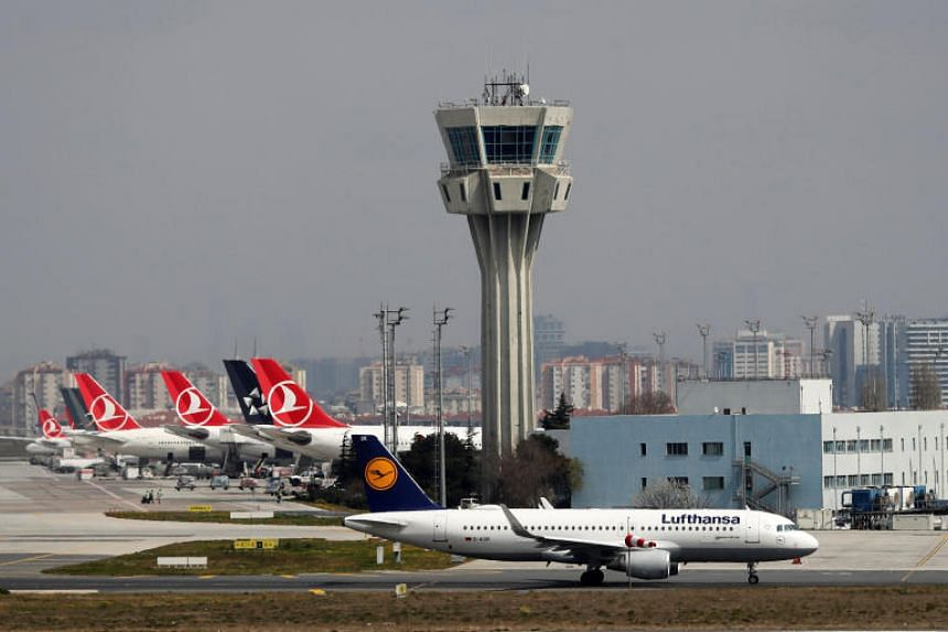 Timelapse of final flights at Istanbul's Ataturk airport