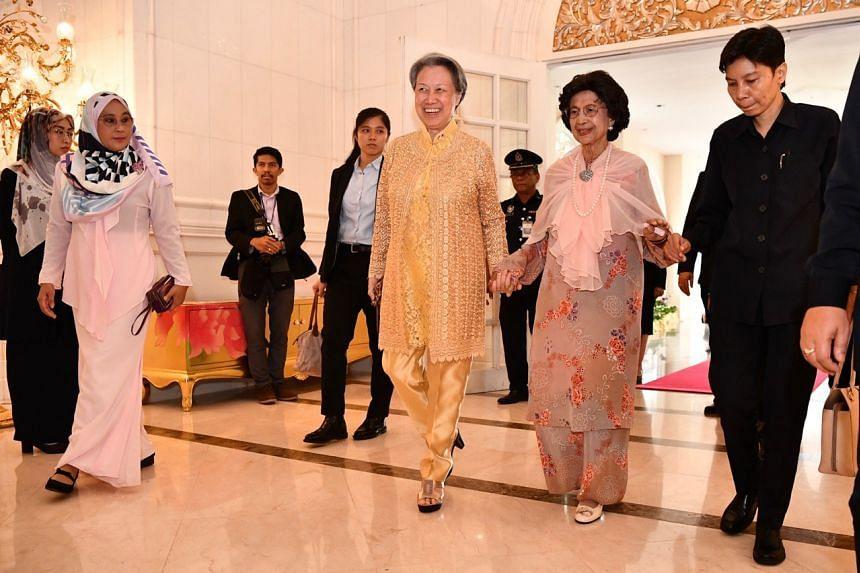 Tun Dr Siti Hasmah and Mrs Lee walking towards the Protocol Gallery of the Seri Perdana in Putrajaya on April 9, 2019.