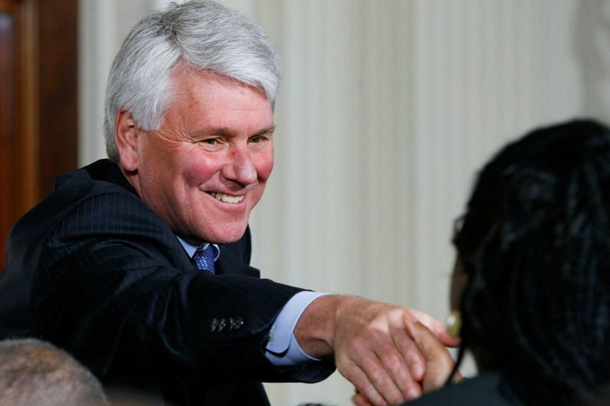 Craig greets guests for a Supreme Court announcement at the White House in 2009.