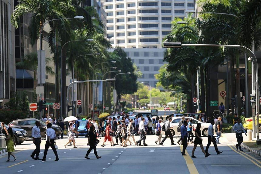 A lunch crowd at Singapore's central business district.
