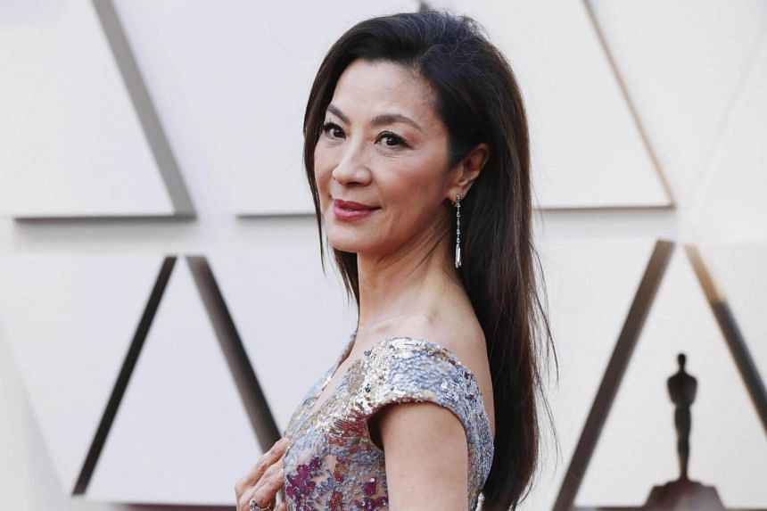 Malaysian actress Michelle Yeoh has been cast as scientist Dr Karina Mogue in the upcoming sequels to Avatar.