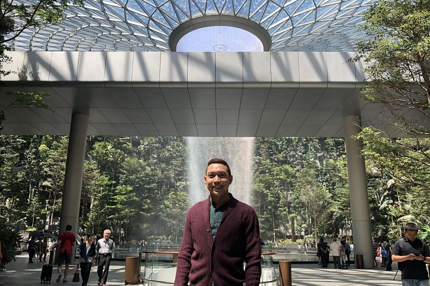 Hangout with ST host Hairianto Diman will go live at Jewel Changi Airport and take the viewers around the 10-storey lifestyle and aviation complex.