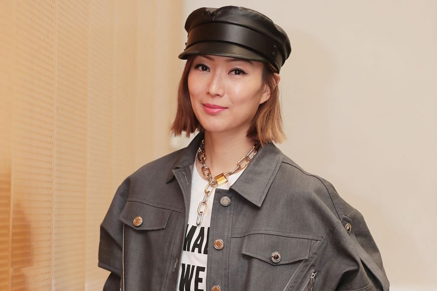 Pop star Sammi Cheng (above left) and Hong Kong singer Andy Hui have been married since 2014. At last night's press conference, Hui admitted to a dalliance with actress Jacqueline Wong.