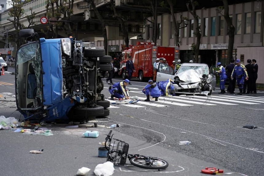 Vehicle  smashes into pedestrians in Tokyo, killing 2 on bicycle