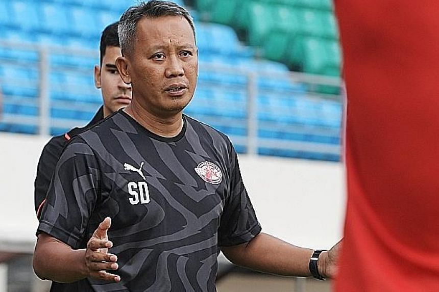 Coach Saswadimata Dasuki has stepped down after Home United won just two of six SPL games to be seventh in the nine-team table. Assistant Noh Rahman will take over as interim coach.