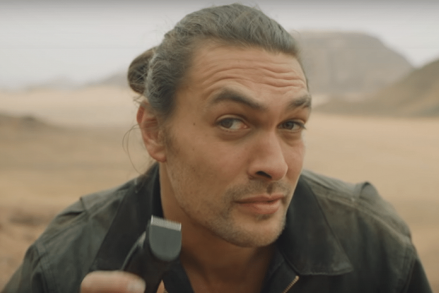 Jason Momoa, who played the superhero in the 2018 movie, has shaved off his signature beard to promote the use of aluminium cans over plastic water bottles.
