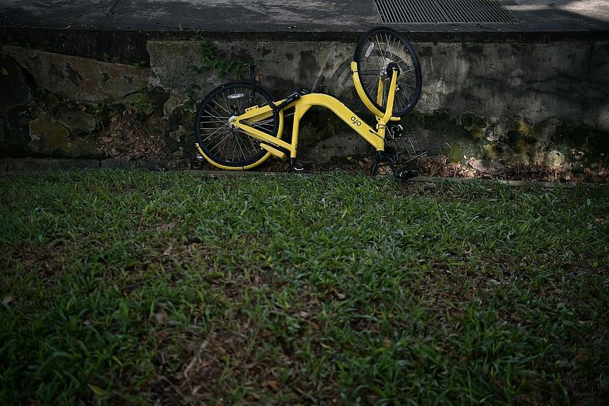 "In an update, the Land Transport Authority said it cancelled ofo's bike-sharing operating licence yesterday as the company has not provided ""sufficient justifications on why its licence should not be cancelled"". ST PHOTO: KUA CHEE SIONG"