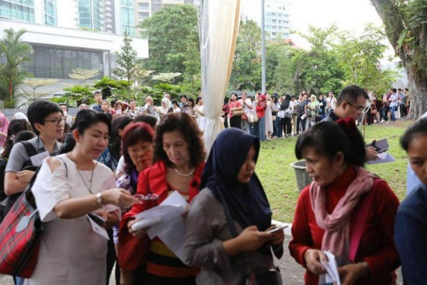 Voters queueing at the Indonesian embassy in Chatsworth Road to cast their early vote, on April 14, 2019.