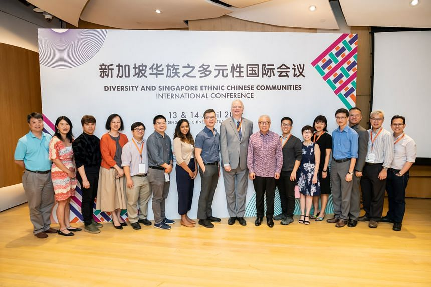 Some of the panelists with Mr Low Sze Wee, CEO of Singapore Chinese Cultural Centre (eighth from left), Prof Kenneth Dean from National University of Singapore (centre), and Mr Chua Thian Poh, Chairman of Singapore Chinese Cultural Centre (eighth fro