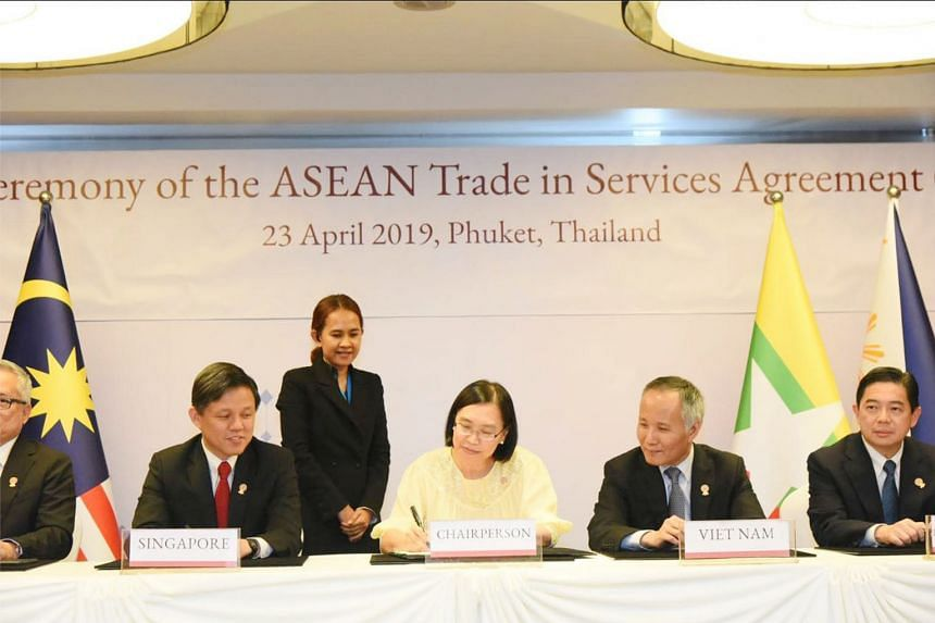 (From left) Trade and Industry Minister Chan Chun Sing with his regional counterparts, Ms Chutima Bunyapraphasara from Thailand, Mr Tran Quoc Khanh from Vietnam, and Dato Dr Mohd Amin Liew Abdullah from Brunei, among others, at the Economic Ministers