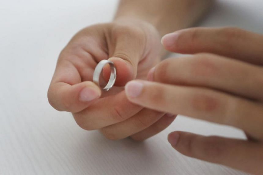 In A Divorce Emotional Scars Of Children Are Hard To Heal