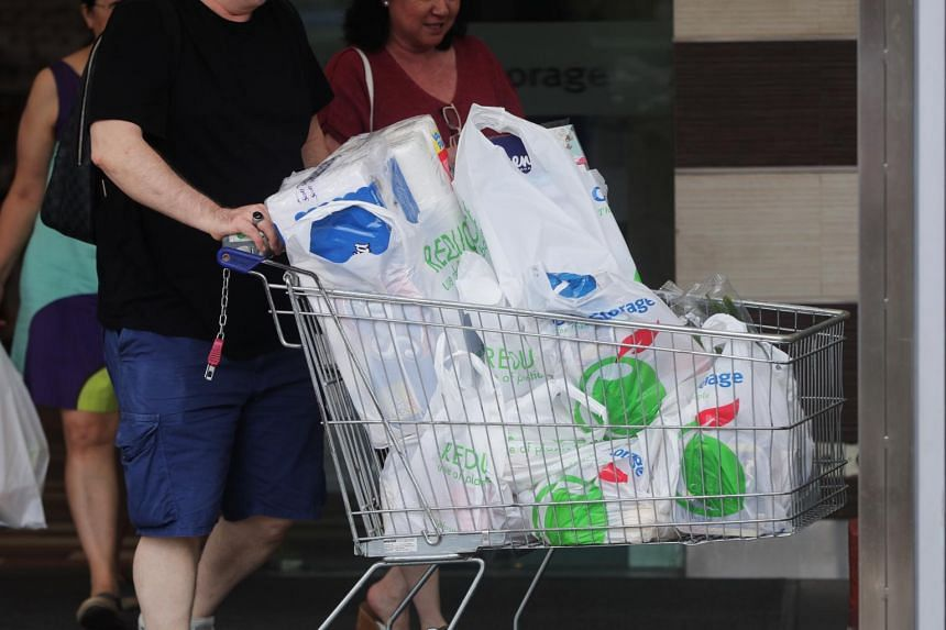 Supermarkets still offer plastic bags without charge.