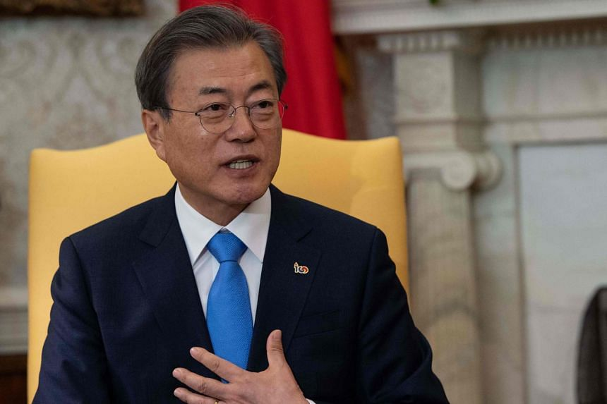 More than a third of those who were unhappy with Mr Moon Jae-in's performance cited the lack of ability to resolve the issues related to the economy and people's livelihood.