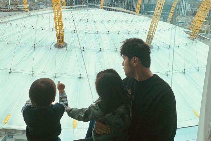 Taiwanese pop star Jay Chou posted photos of himself with his children Romeo and Hathaway at the O2 Arena.