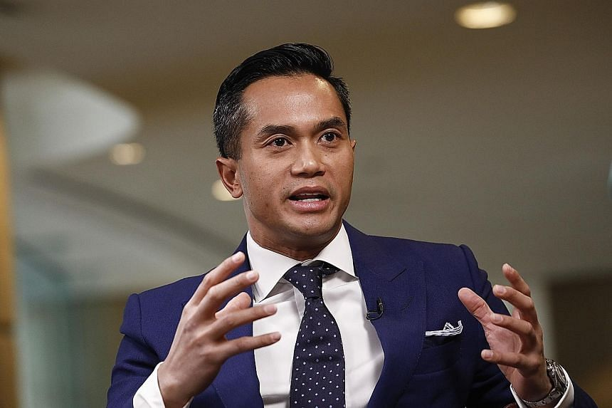 "Tycoon Anindya Bakrie says Mr Joko Widodo has ""no baggage"", so he may revamp his Cabinet and include more professionals."